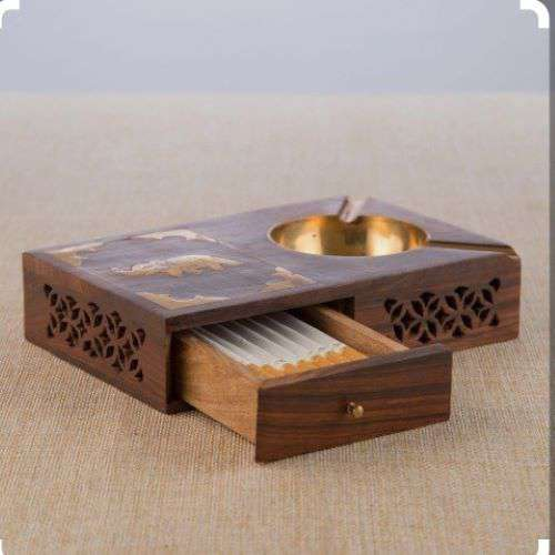 Wooden ashtray with box